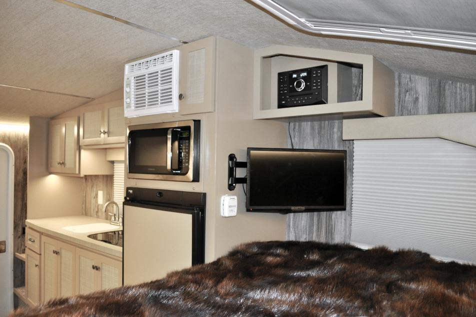 Classic Camper interior bed & kitchen